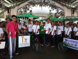 Distribution of nego cart to 73 beneficiaries of Moncada (7)